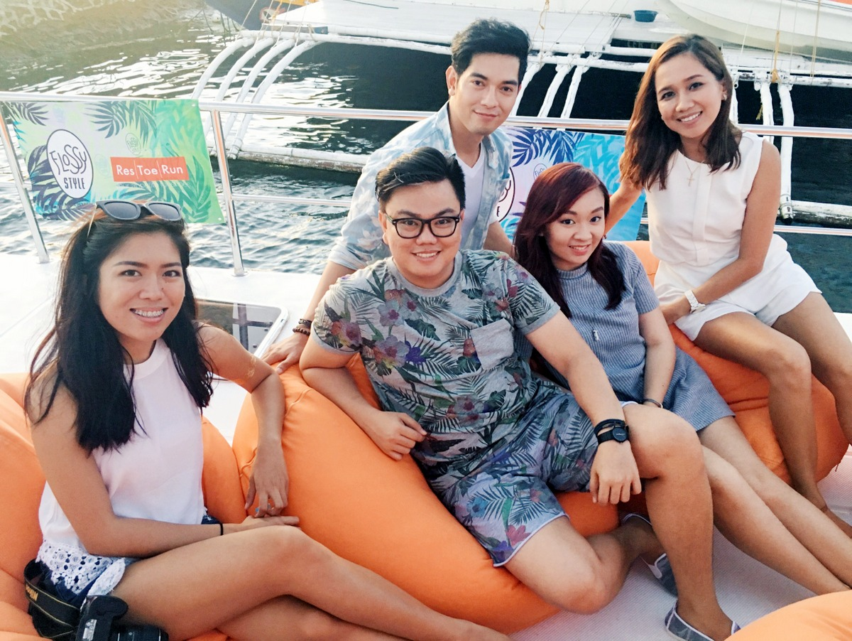 Cebu Fashion Bloggers during Flossy Sunset Cruise