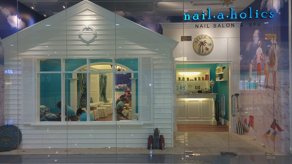Nailaholics Salon & Spa